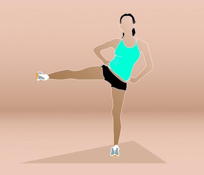 Exercice anti-cellulite : levers de jambes.