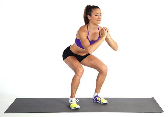 Exercice anti-cellulite : les squats.